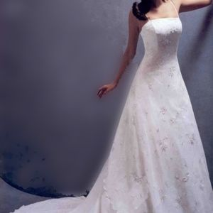 Monique Luo Wedding Gown - Never worn/altered